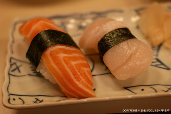 Nigiri sushi: salmon (left) and scallops (right). I loved the sweetness of the juicy scallops.