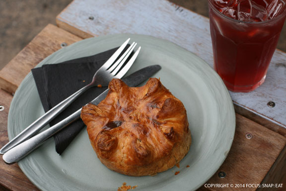 Lamb shank with red wine meat pie