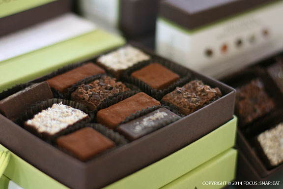Always elegant chocolates and packages from Neo Cocoa