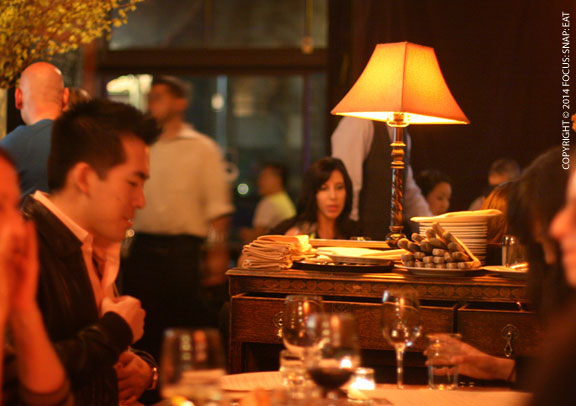 Looked like a lot of regulars were dining at the cozy L'Ardoise