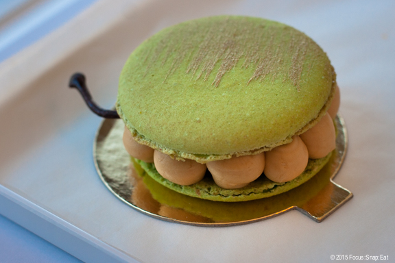 I tried the grand macaron with apple flavor and salted caramel filling. The little balls of caramel mousse was like caramel clouds.