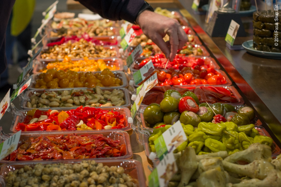 The Food Match display had a huge sampling station where you can try a variety of its Mediterranean foods.