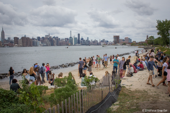 There's a tiny beach area by the park, which offers up a view of the Manhattan skyline.