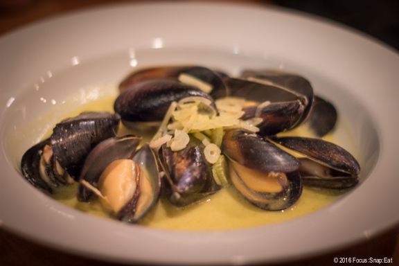 Roasted mussels with saffron aioli ($14)