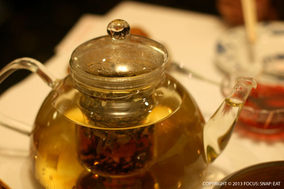 I loved the glass tea pot served at Yank Sing. It is also one of the few dim sum spots that serve my favorite tea, sau may, which is a peony tea popular in Hong Kong