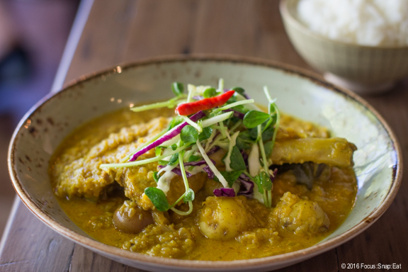 duck curry at Teni East Kitchen via Focus:Snap:Eat blog